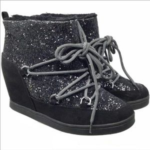🆕Juicy Couture Glittery Wedge Sneaker